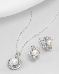 Zilveren oorbellen en hanger met Parels