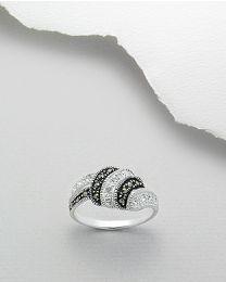 Zilveren ring met Marcasiet en zirkonia's